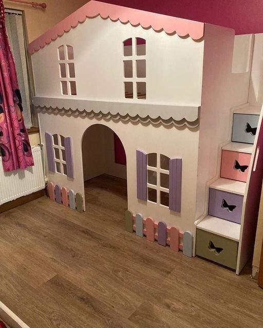 villa style playhouse
